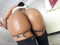 After getting that tight butthole stretched, Jewels gave Ramon an ass-to-mouth blowjob and showed off her sloppy deepthroat techniques.