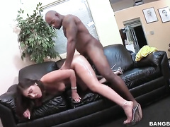 Huge butt latina Alexis Breeze getting drilled