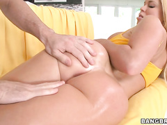 big ass blonde have hot sexy massage