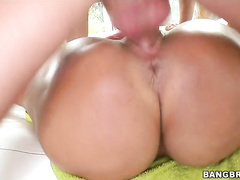 Come watch this stunning porno queen at work.
