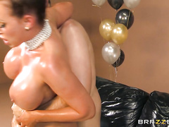 Watch as Nikki cums all over the cock as she takes an anal pounding from a true professional.